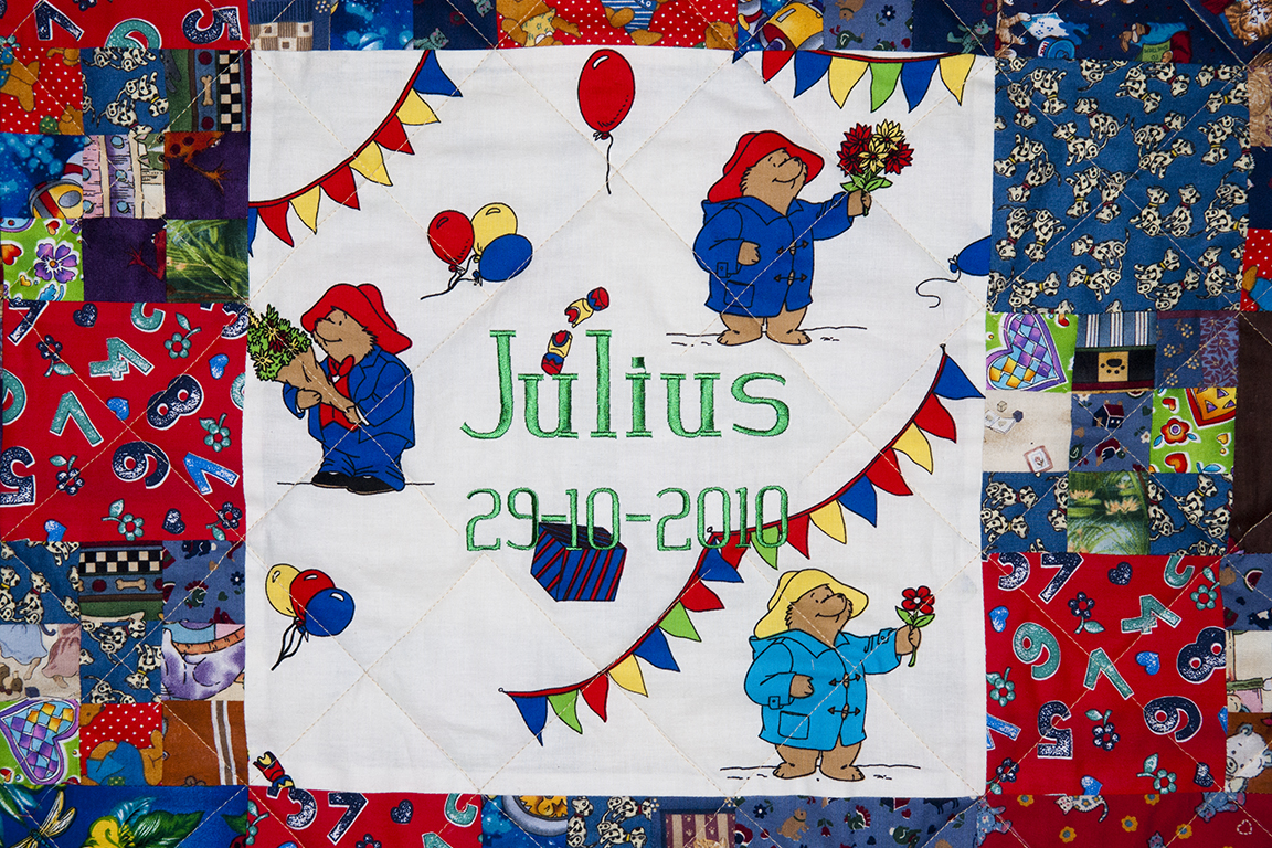 julius quilt detail a 010548